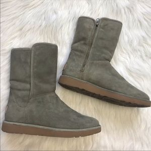 UGG Aubree gray side zip ankle boots size 8